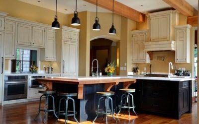 Hai un attività commerciale , rinfresca il Design con Finte pietre o travi in finto legno.