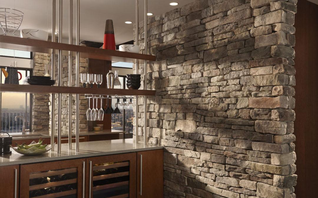 Scegli le pareti in finta pietra per un tocco da designer fai da te